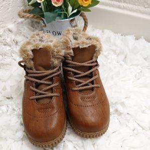 Oshkosh B'gosh Unisex Haskell Fashion Boots Sz 12
